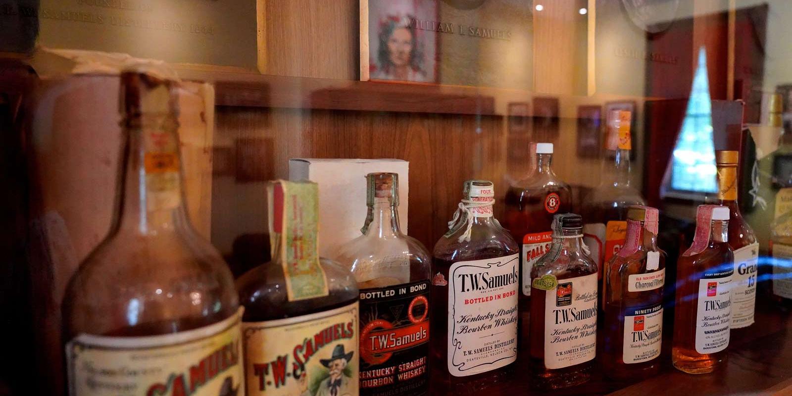 Bourbon whiskey bar